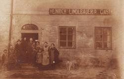 1920: Gasthaus zur Post kurz nach der Übernahme durch Familie Lindlbauer